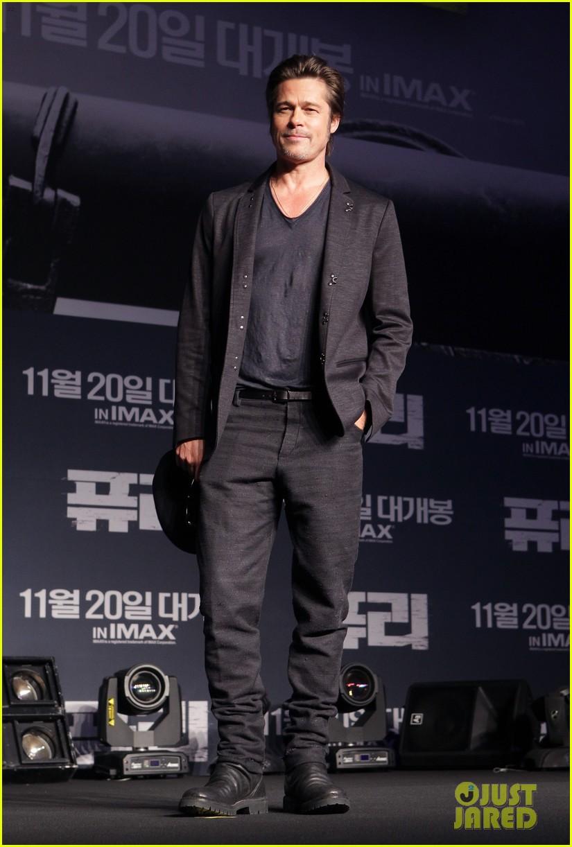 Brad Pitt Amp Logan Lerman Take The Stage For Fury In
