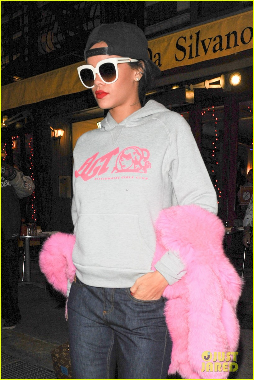 rihanna is all wrapped up in pink fur 043236288