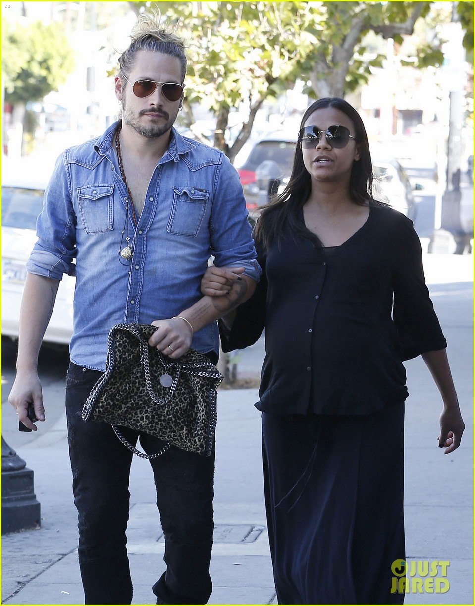 Pregnant Zoe Saldana Continues to Search For a New House ...