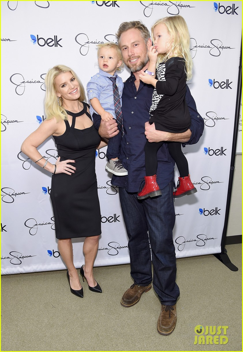 is jessica simpson still married