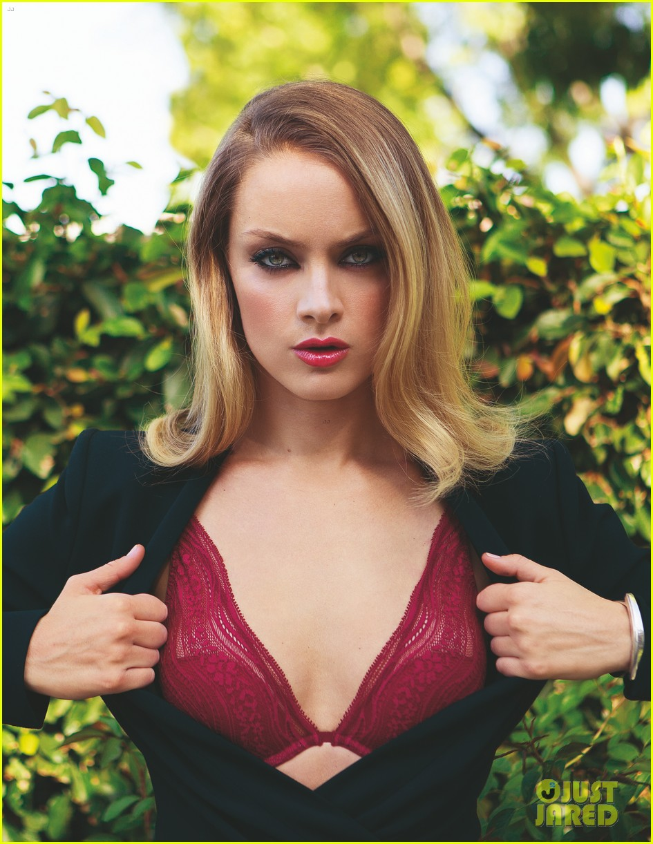 rachel skarsten goes topless for da man 023251534