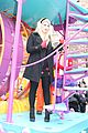 meghan trainor macys thanksgiving day parade 03