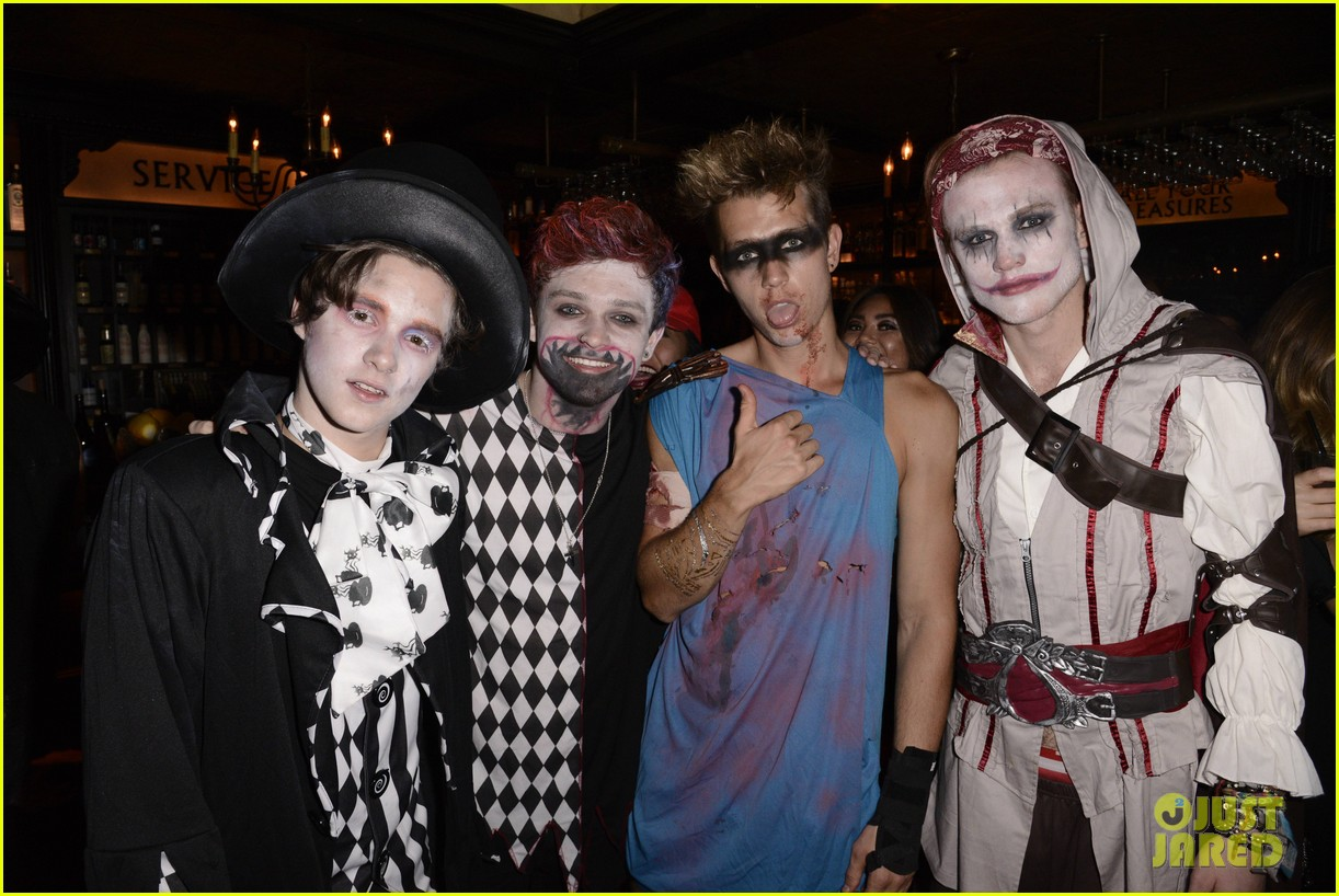 the vamps the wanted tokio hotel just jared halloween party 053233416