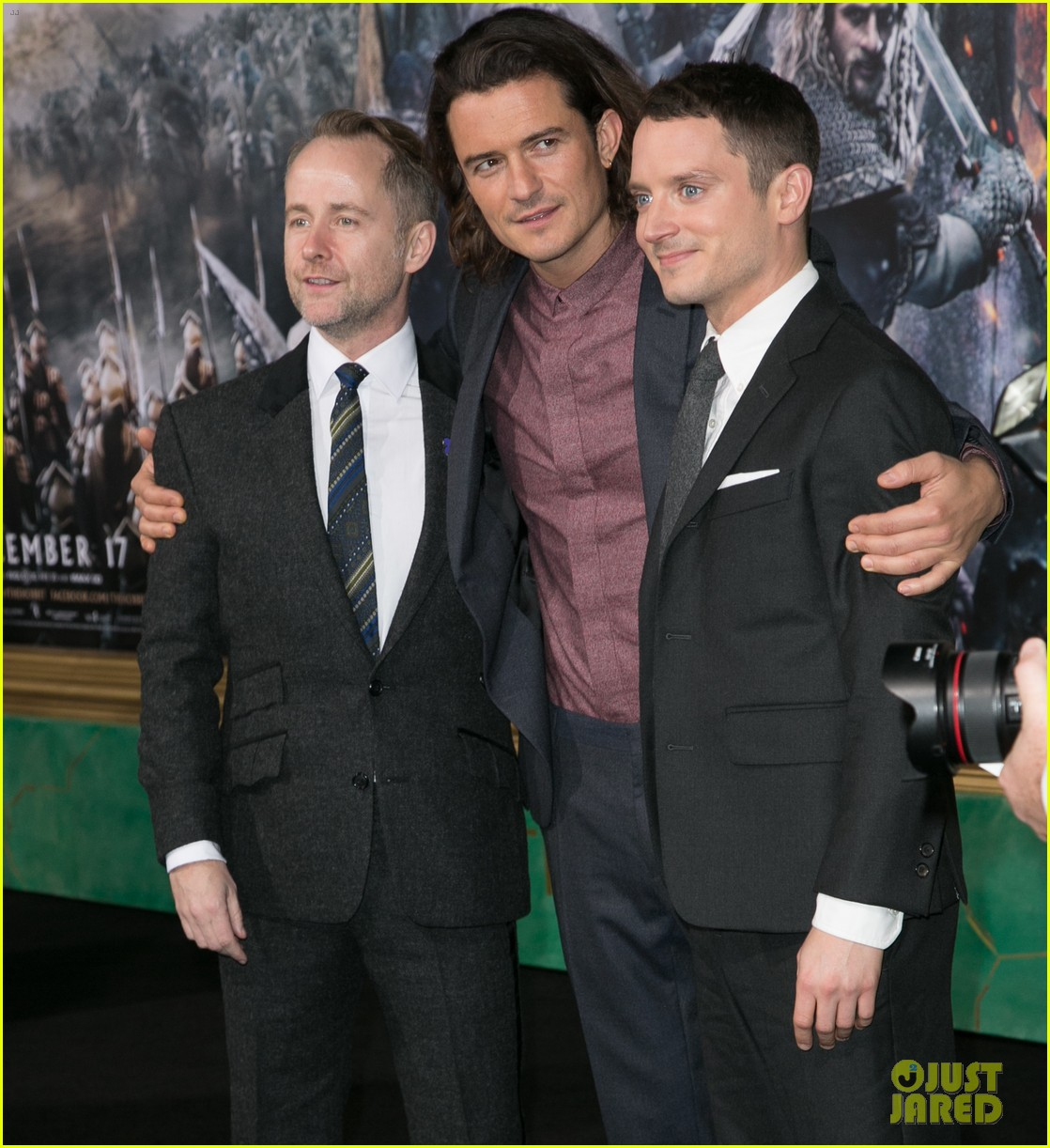 Orlando bloom reunites with 39 lord of the rings 39 co stars for Elijah daniel trump tattoo