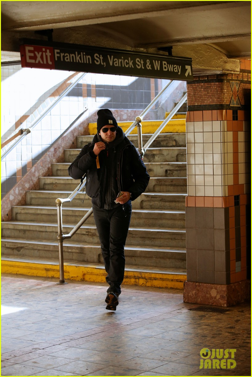 bradley cooper rides nyc subway the elephant man 043262089