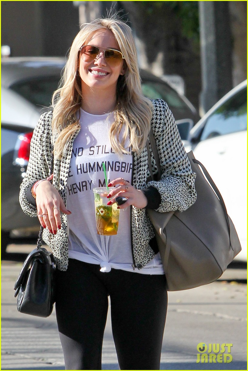 hilary duff geek eyeglasses look smart 04