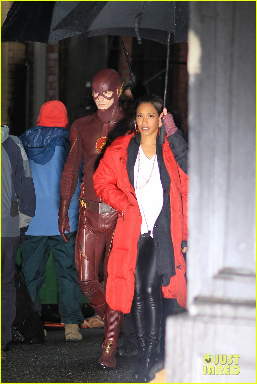 Grant Gustin Amp Candice Patton Wrap Up Flash Production