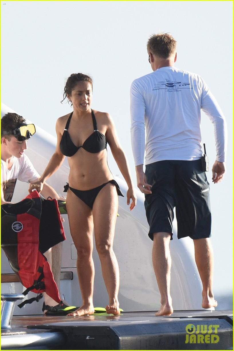 Hollywood tuna salma hayek bikini