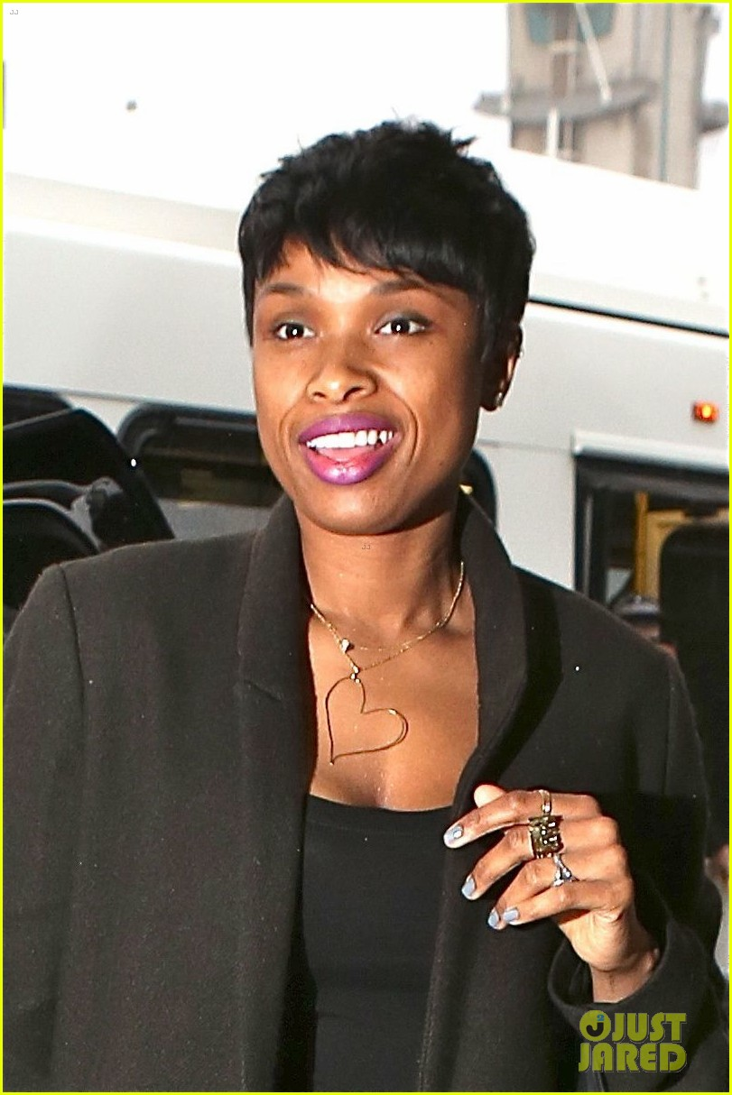 jennifer hudson gives back in big way 043254202