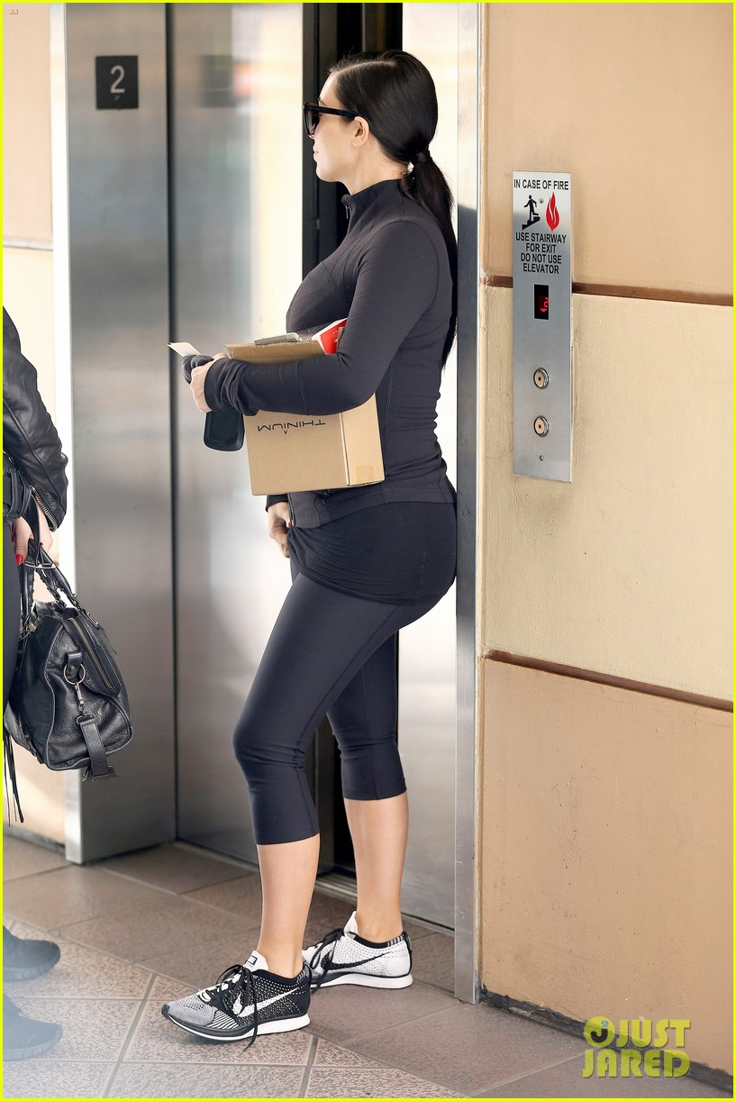 kim kardashian shocks us by wanting flat butt 253261539