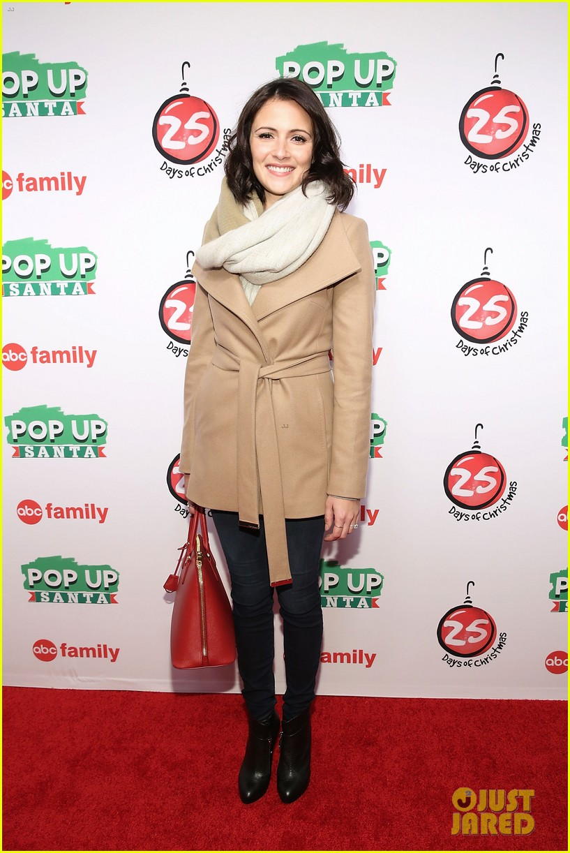 lucy hale italia ricci 25 days christmas rockefeller center 163257029
