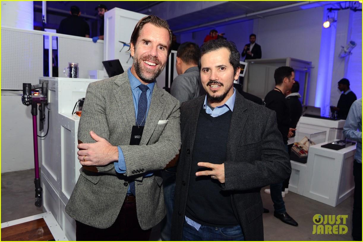 Ben McKenzie Helps \'Wired\' Mag Celebrate 10th Annual Store!: Photo ...
