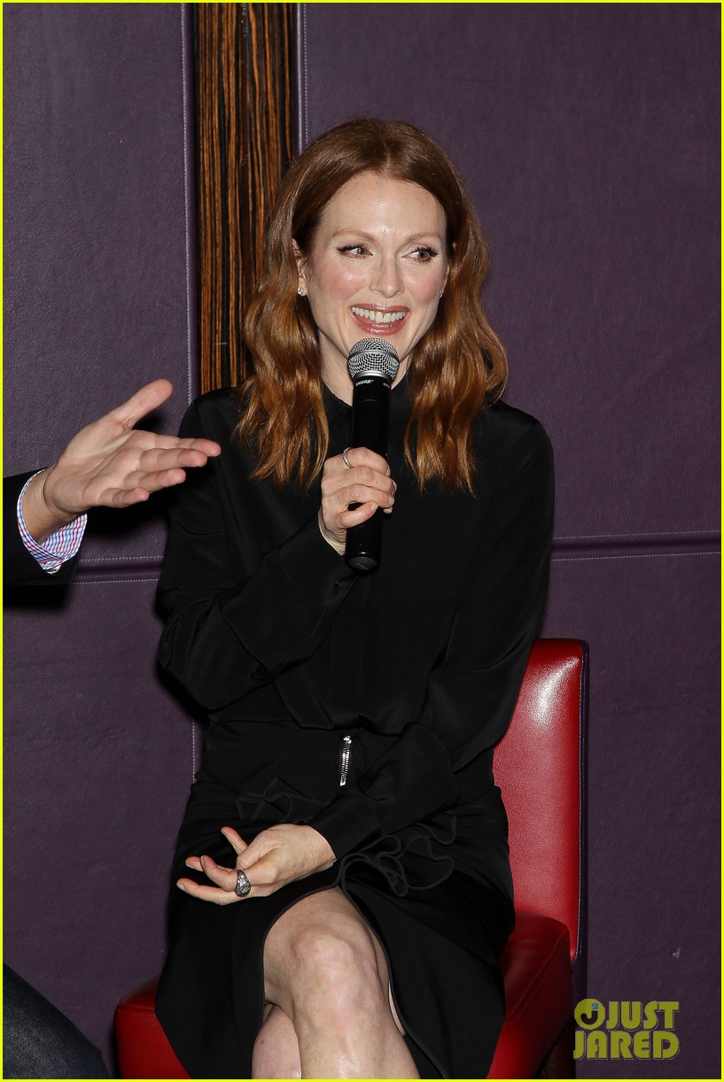 julianne moore responds two golden globe nominations 033260301