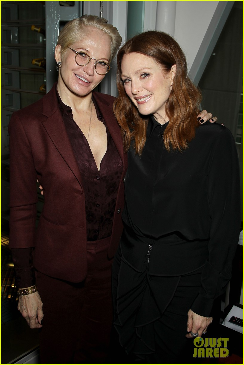 julianne moore responds two golden globe nominations 333260331
