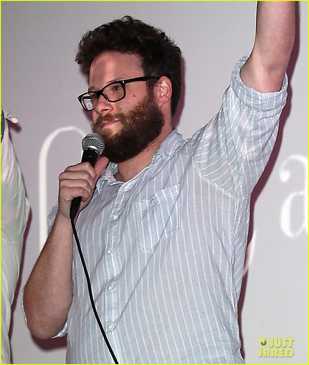 seth rogen surprises fans at first interview screening 013268274