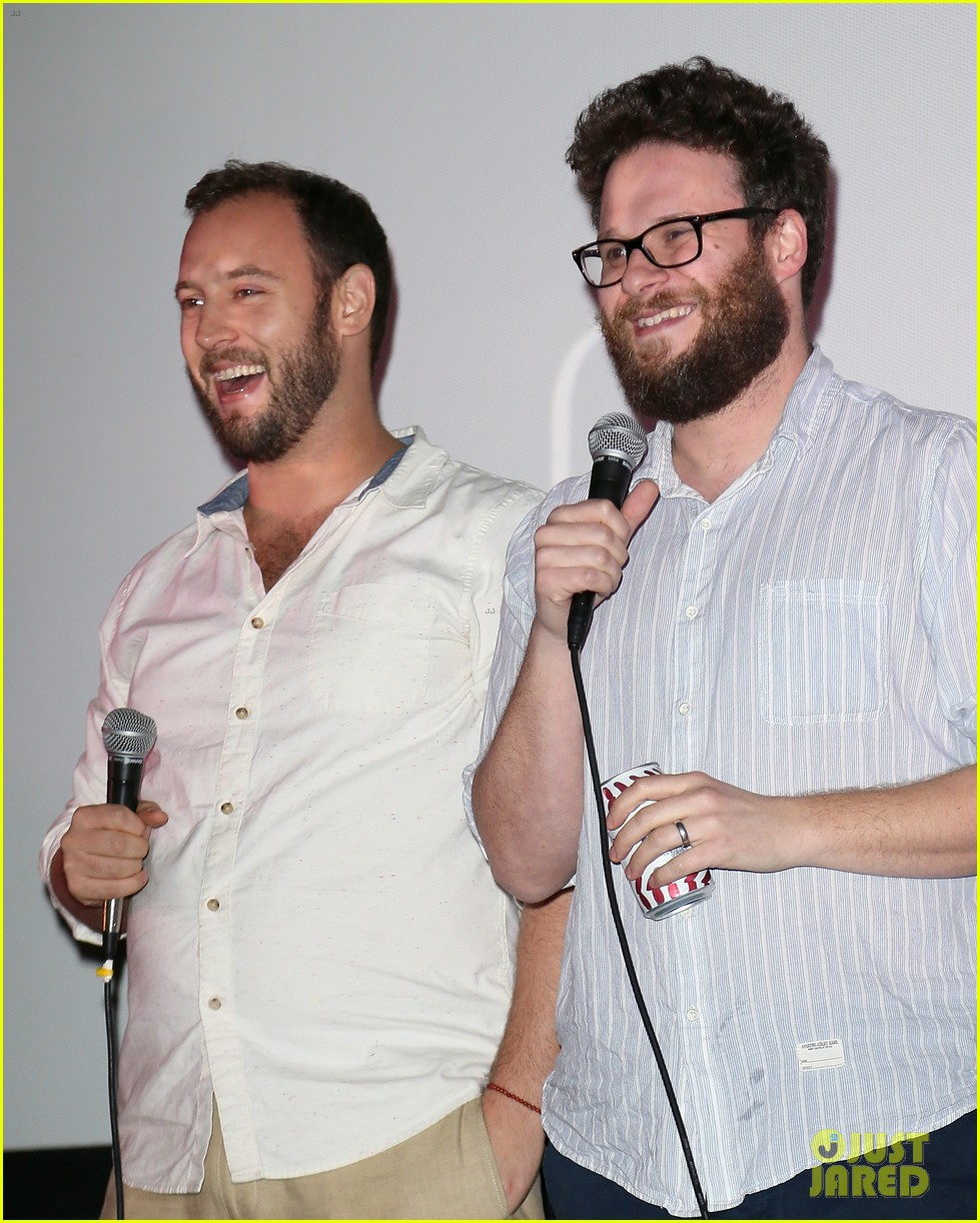seth rogen surprises fans at first interview screening 033268276