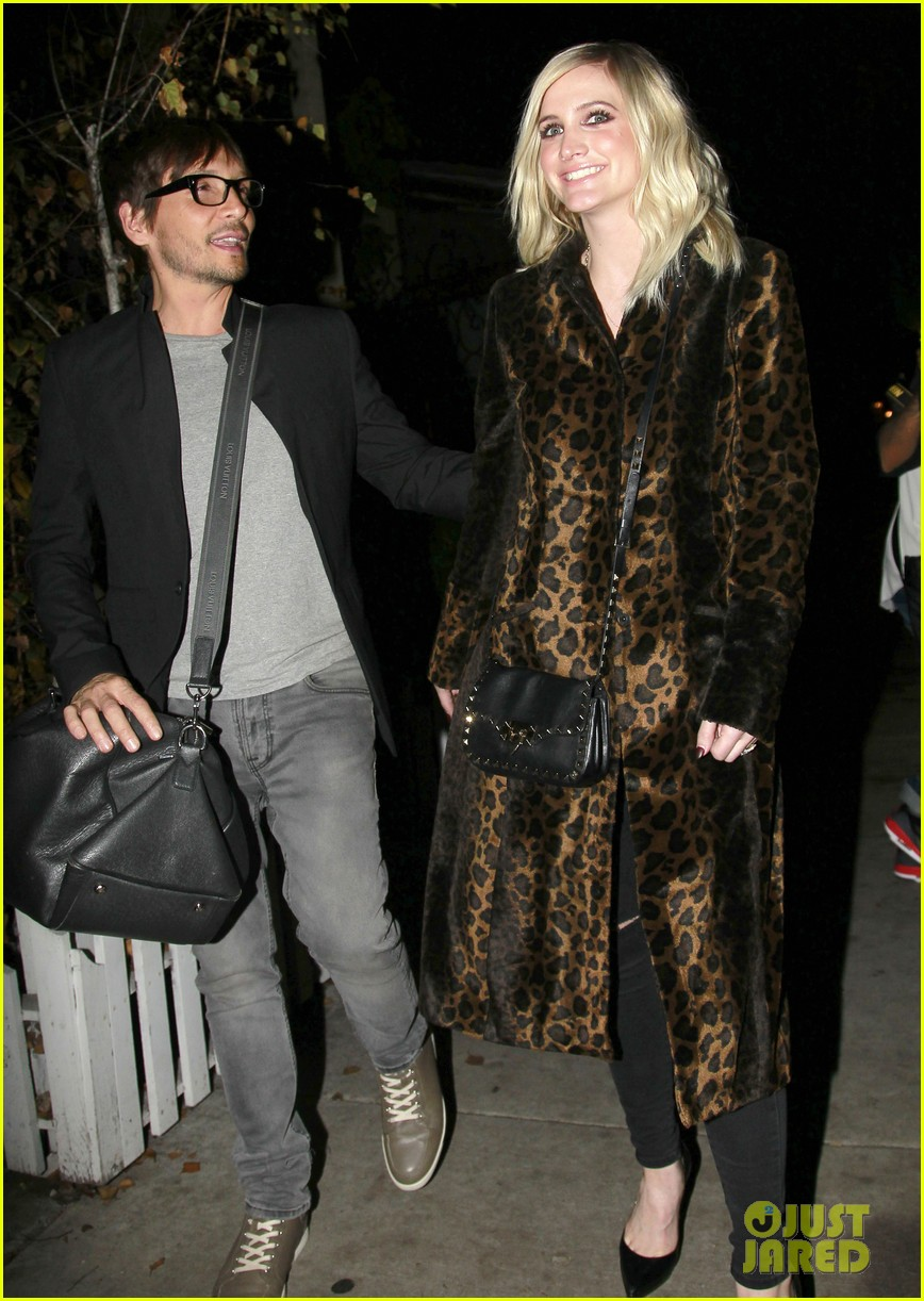 ashlee simpson evan ross how to live alone 063258462