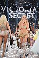candice swanepoel lindsay ellingson victorias secret fashion show 2014 03