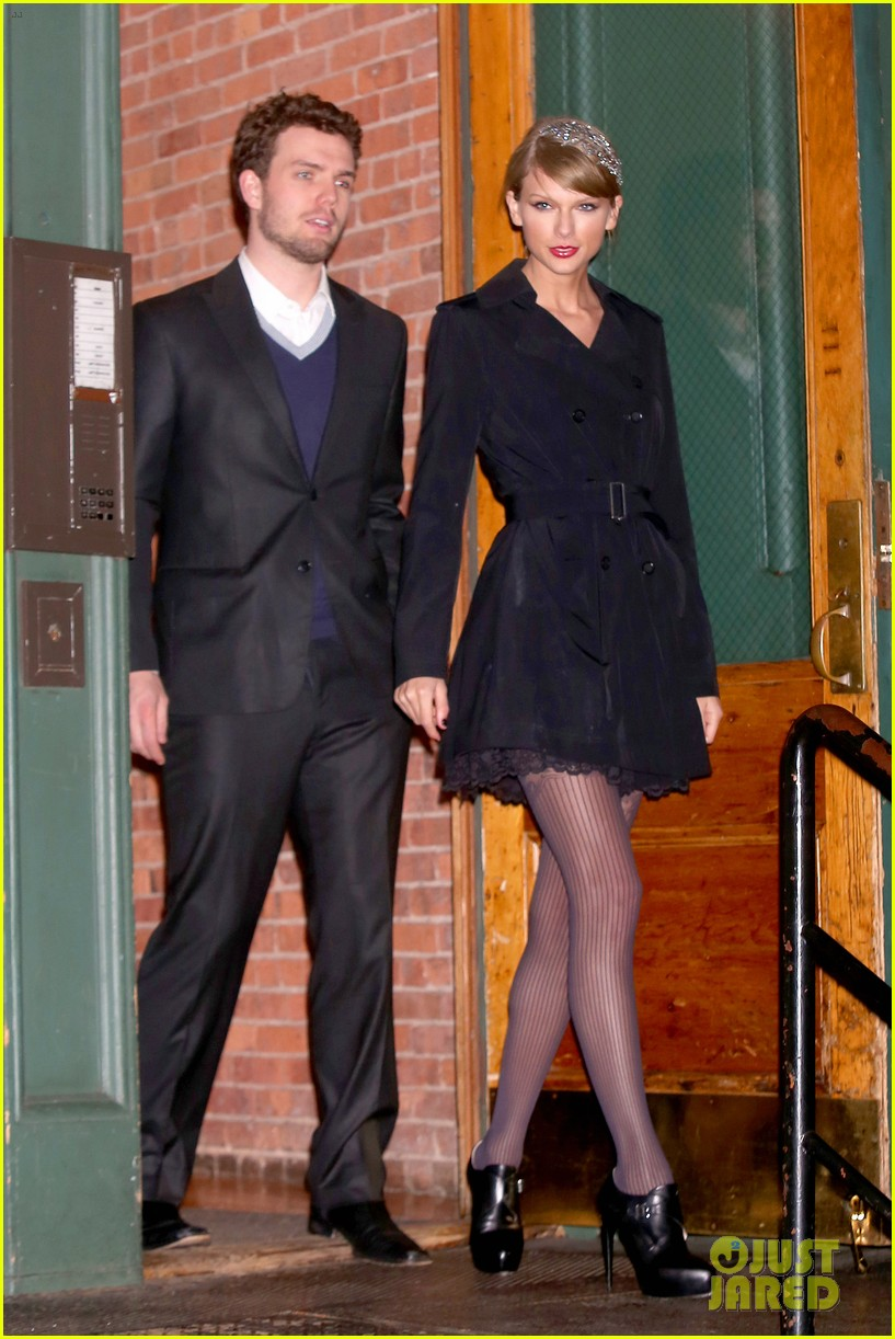Taylor Swift Brother Austin Are The Best Dressed Siblings At Formal Holiday Dinner Photo 3267478 Austin Swift Taylor Swift Pictures Just Jared