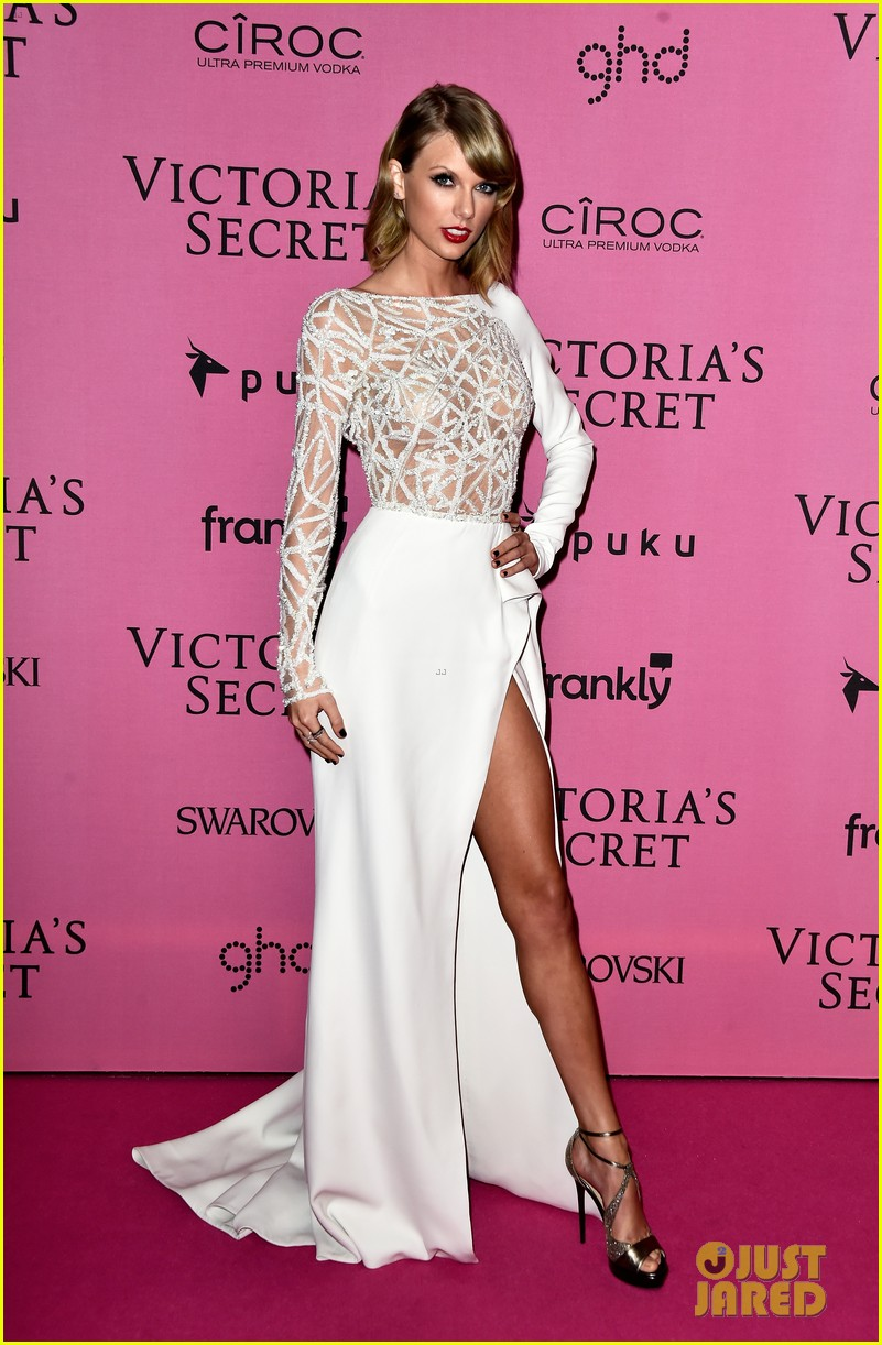 Taylor Swift 39 S 4 Outfits 2014 Victoria S Secret Fashion Show