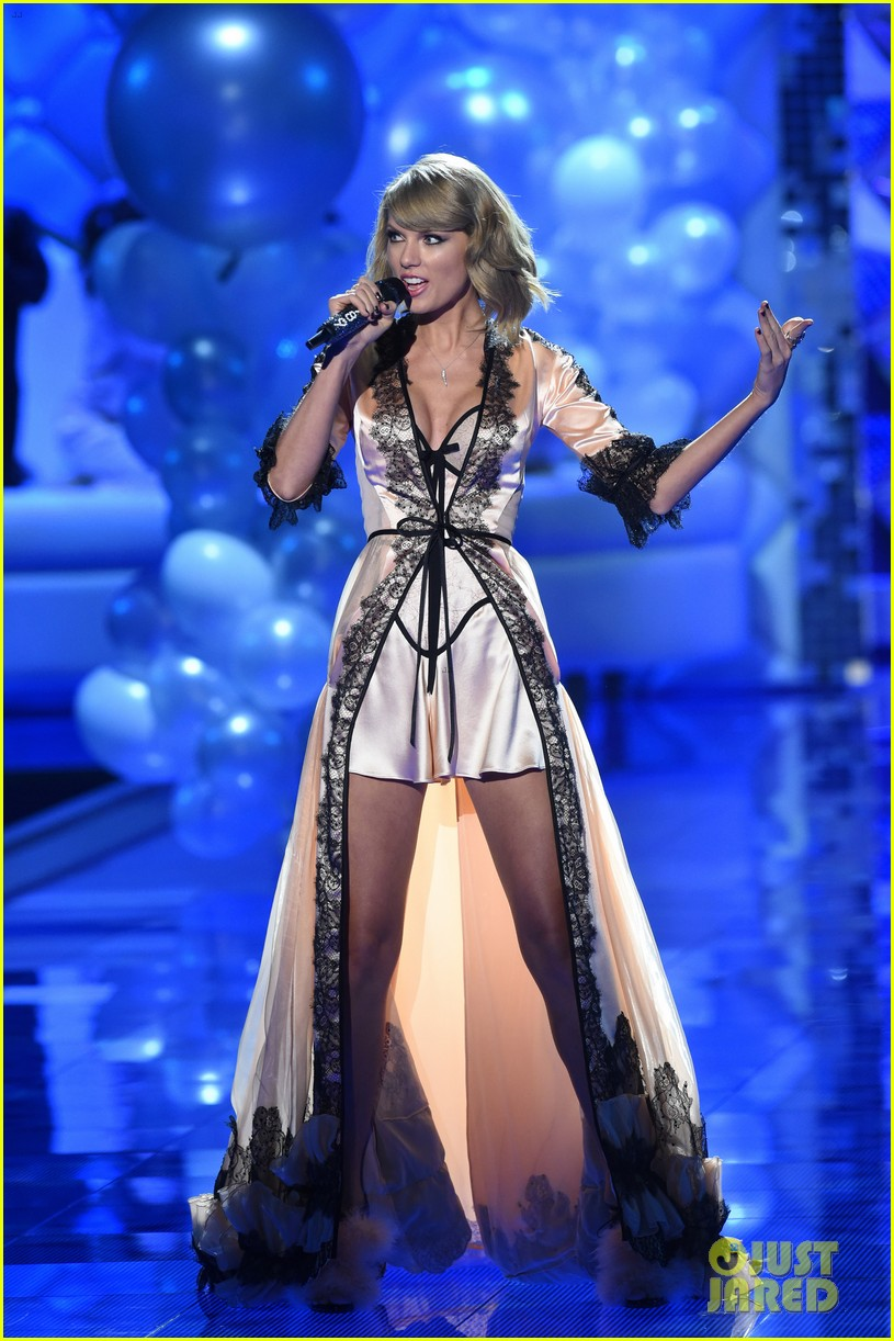 Fashion Show Victoria's Secret 2014 Taylor Swift Taylor Swift Makes It Really