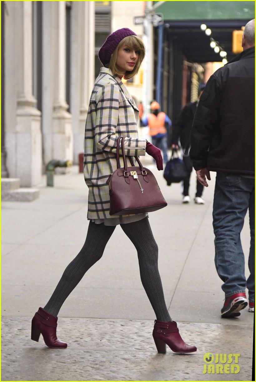 taylor swift grabs lunch with gal pal tavi gevinson 013265751