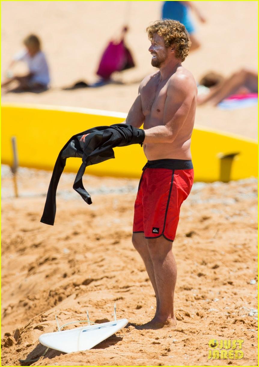simon baker shirtless body bondi beach 123286757