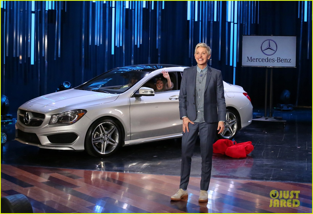 mercedes benz super bowl commercial 2015 debuts on 39 ellen 39 photo. Black Bedroom Furniture Sets. Home Design Ideas