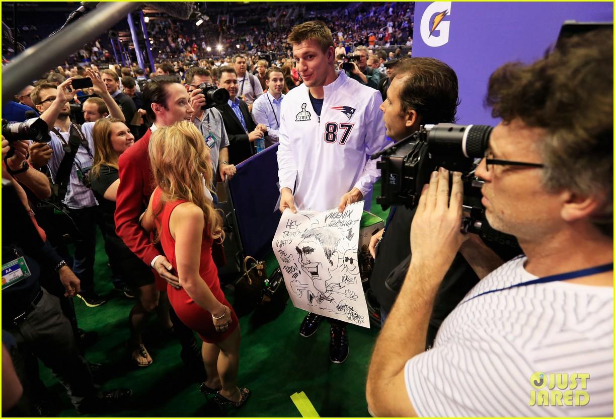 Tom Brady S Wife Kids Send Him Love On Super Bowl 2015