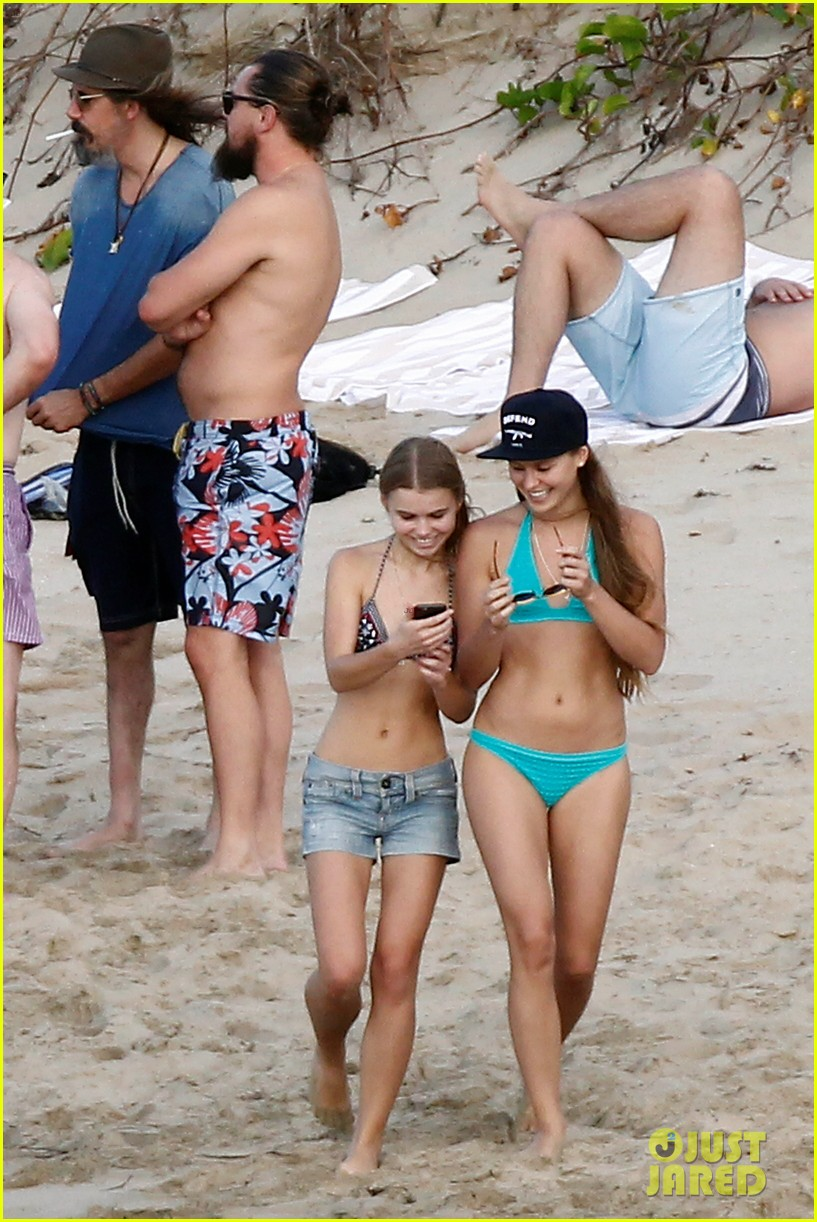 leonardo dicaprio continues st barts trip surrounded by women 173271435