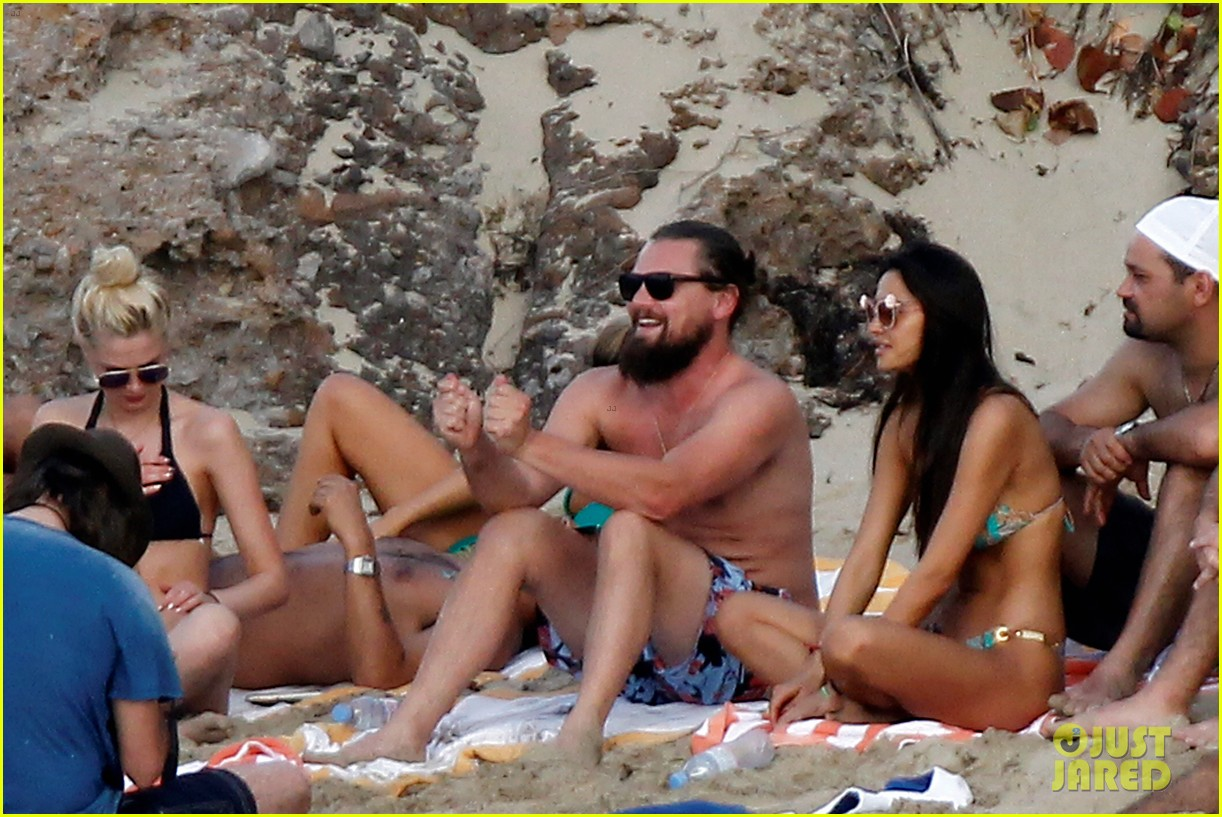leonardo dicaprio continues st barts trip surrounded by women 253271443