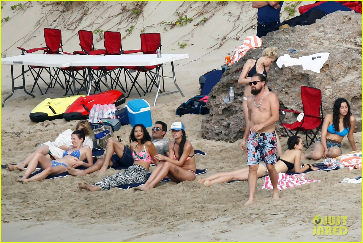 leonardo dicaprio continues st barts trip surrounded by women 323271450