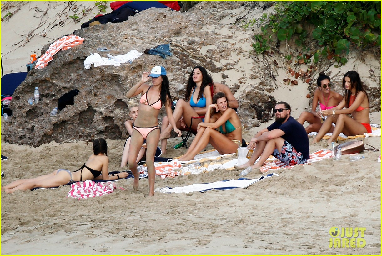 leonardo dicaprio continues st barts trip surrounded by women 403271458