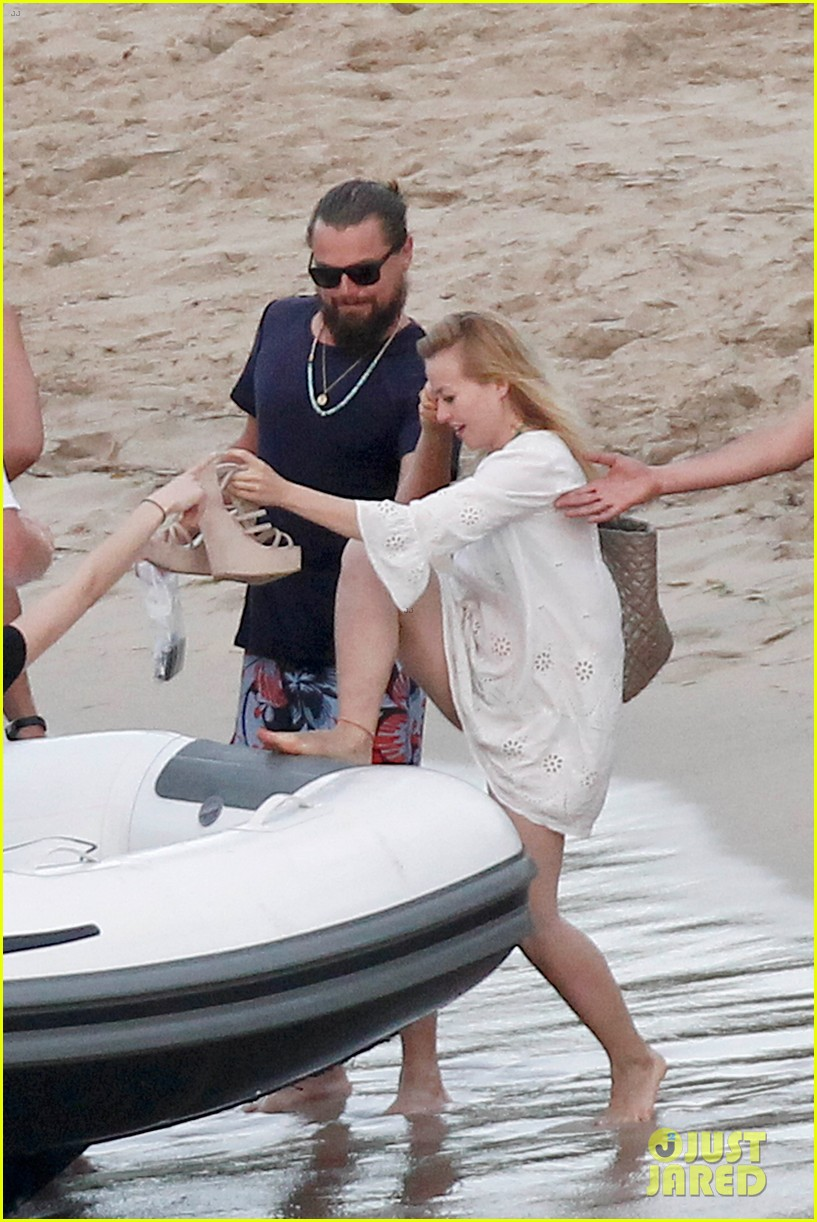 leonardo dicaprio continues st barts trip surrounded by women 703271488