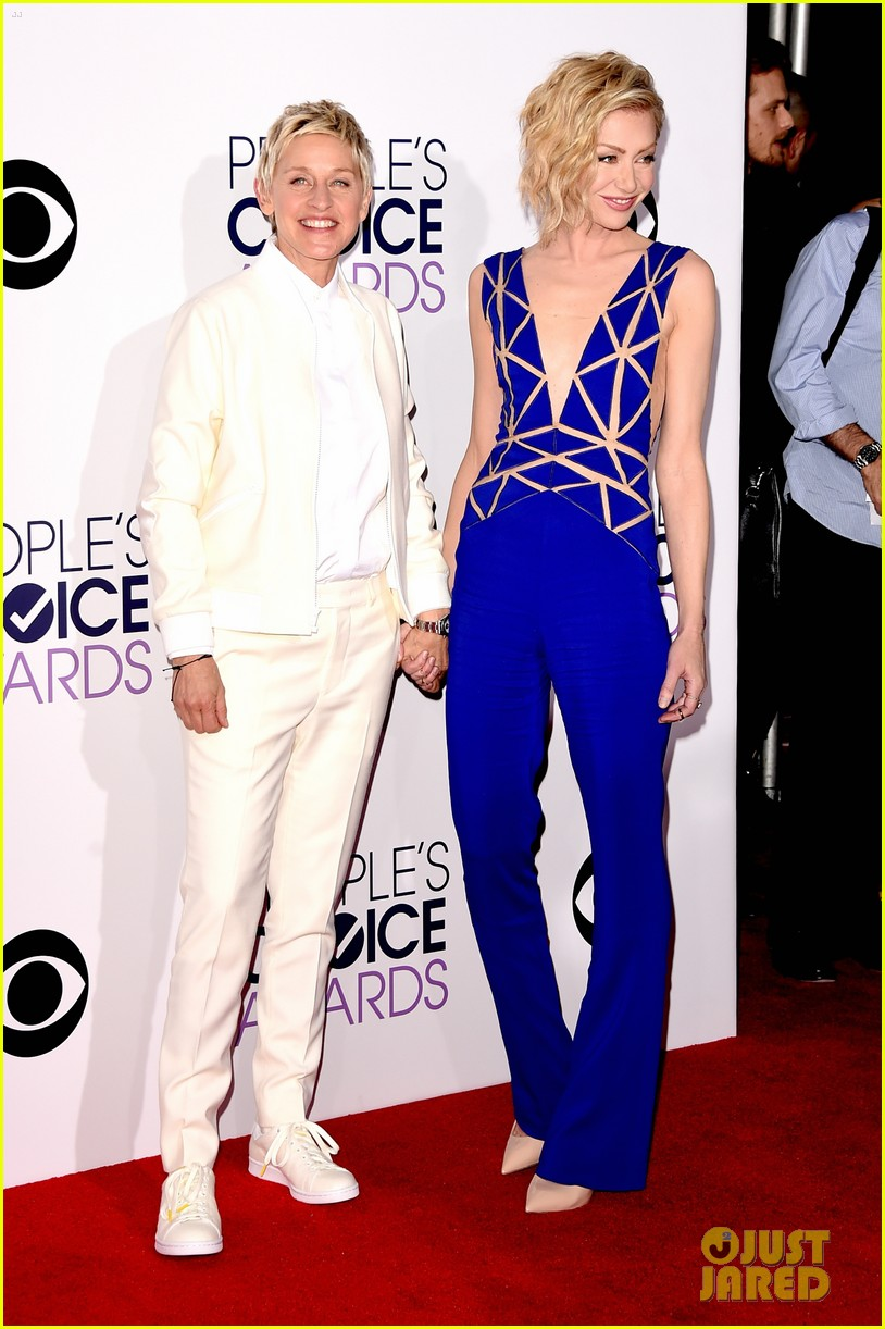 Ellen And Portia Ellen Degeneres Portia De Rossi Hold Hands At The Peoples