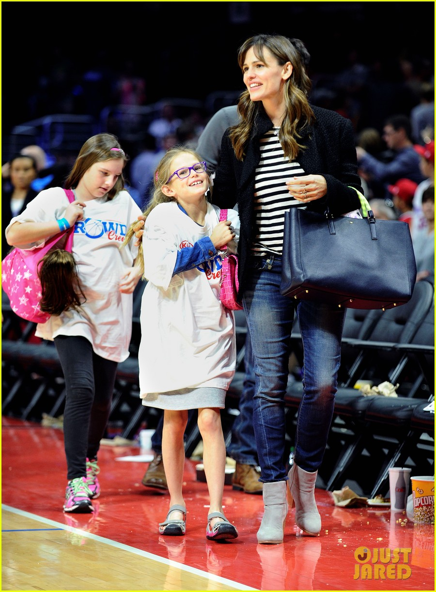 jennifer garner violet clippers game 013284221