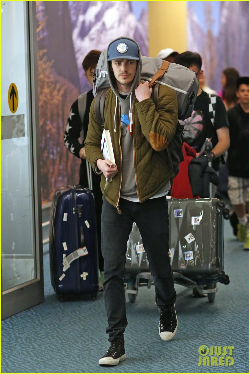 Grant Gustin Gears Up To Battle Wentworth Miller Amp Dominic