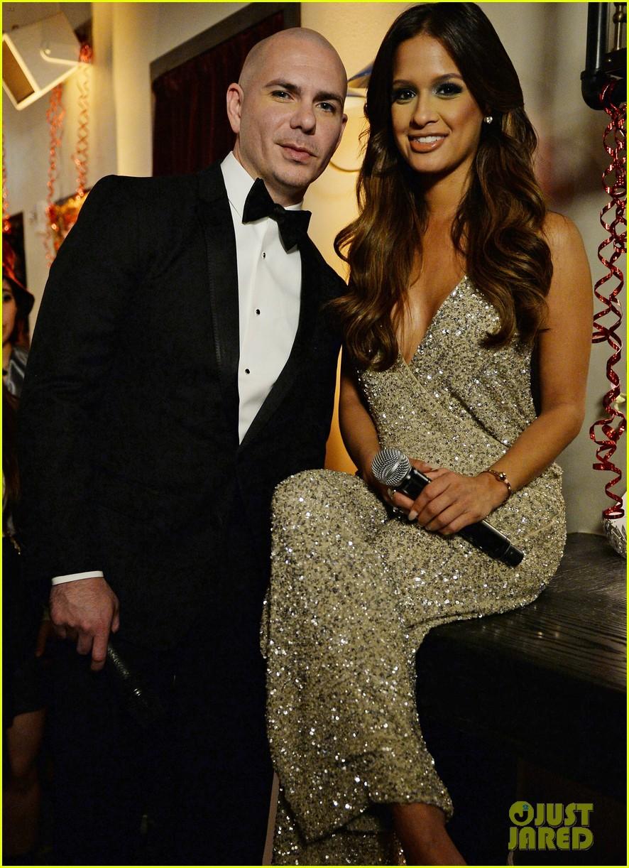 Enrique Iglesias Pitbull Ring In The New Year In Miami Photo