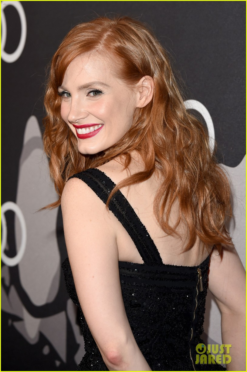 jessica chastain audi golden globes 2015 party 093275545