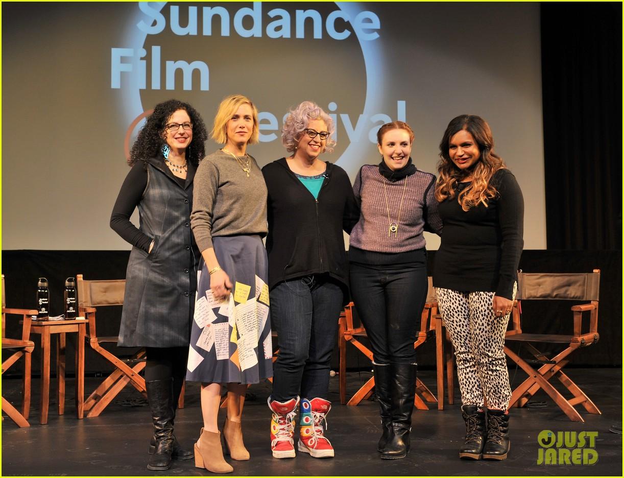 Emily Nussbaum, Kristin Wiig, Jenji Kohen, Lena Dunham ve Mindy Kaling (soldan sağa).