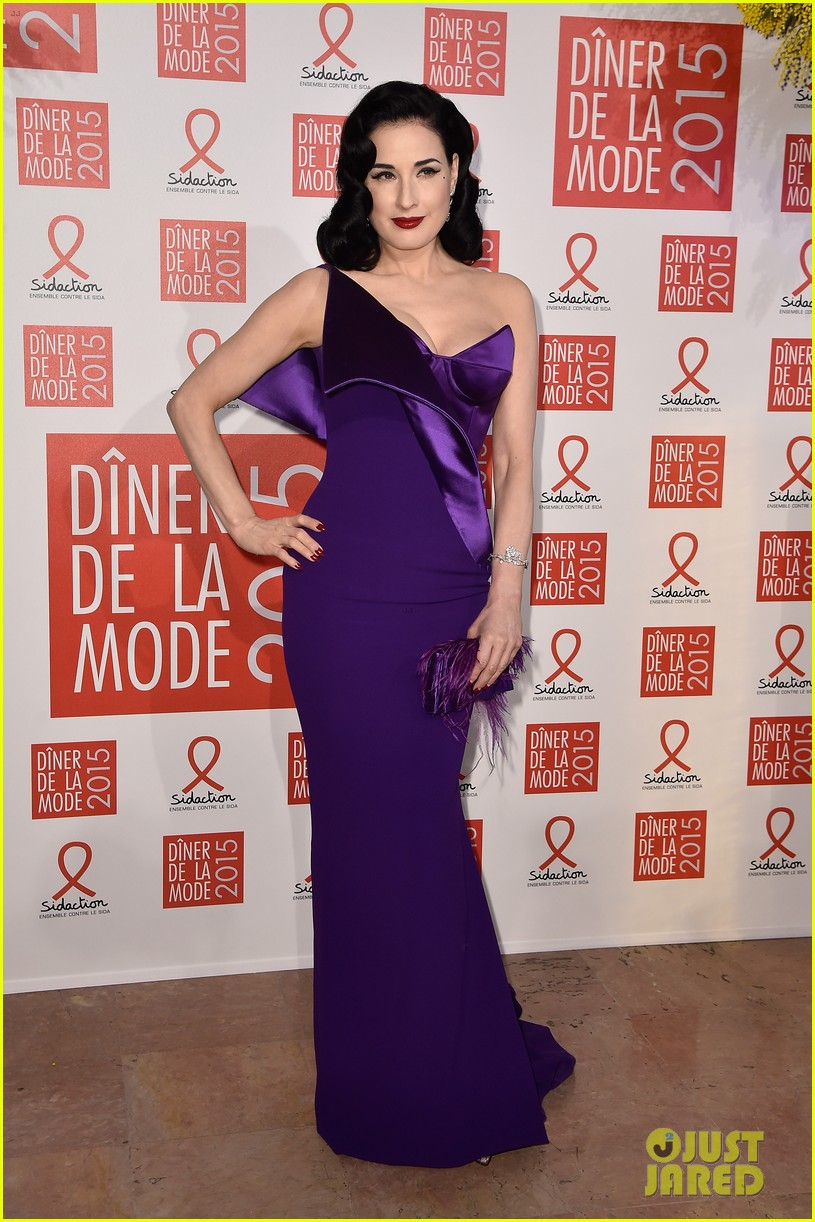 elizabeth olsen joins dita von teese conchita wurst at sidaction gala 023291868