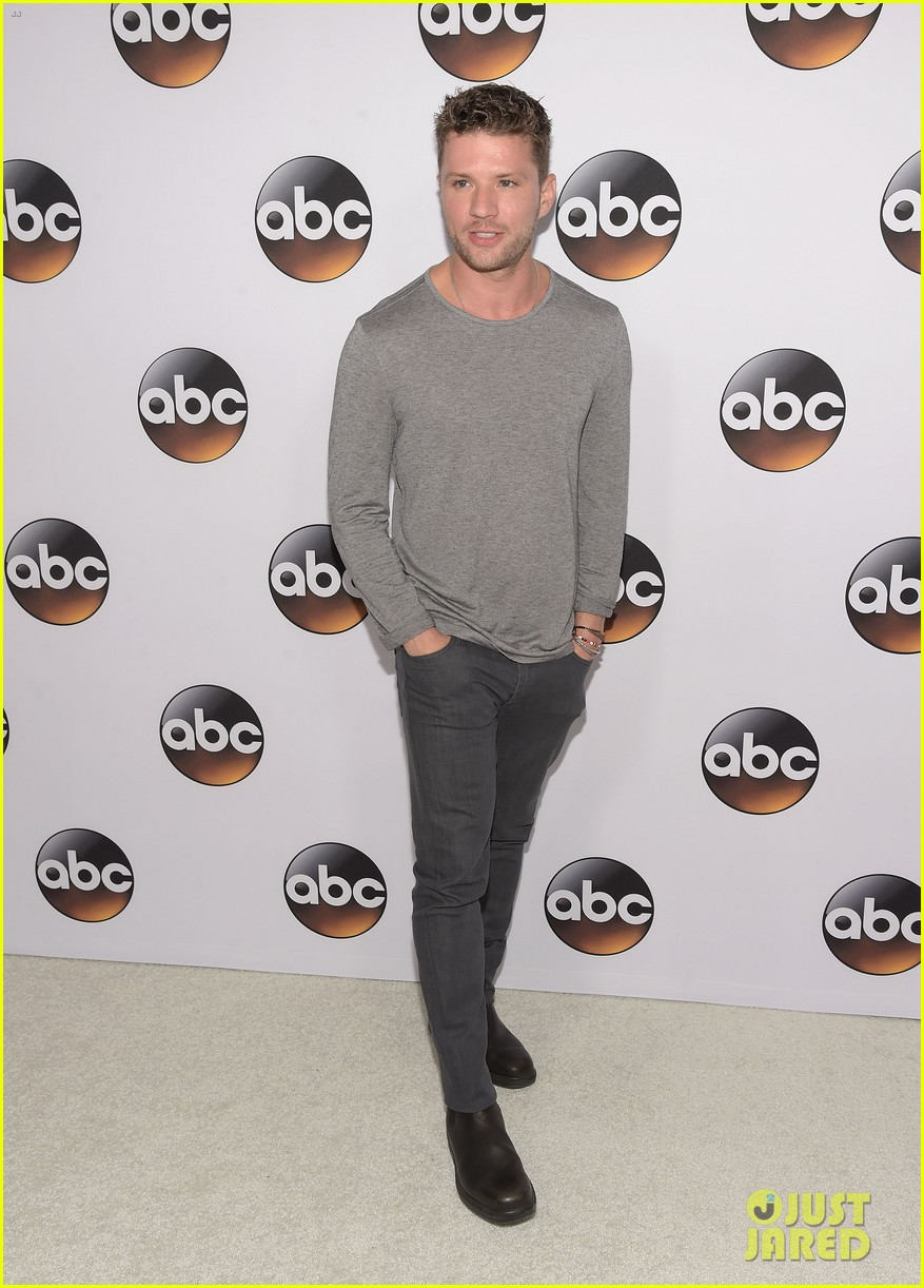 ryan phillippe reveals why his tv experience was exhausting 293280969