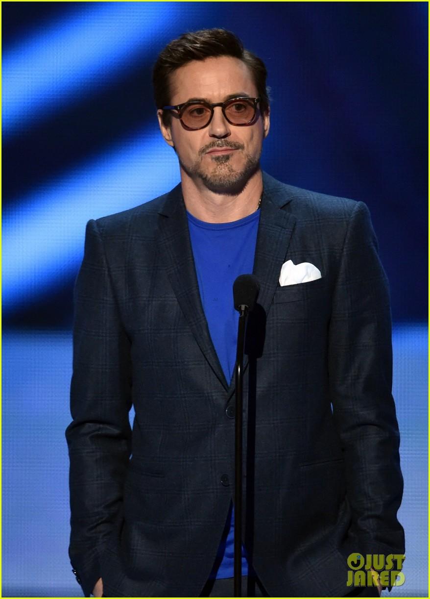 Robert Downey Jr Wins Twice At Peoples Choice Awards 2015