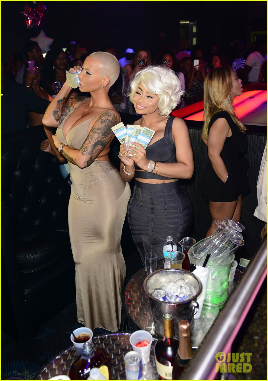 Amber Rose Says Family Skipped Her Wedding To Wiz Khalifa Because He S African American