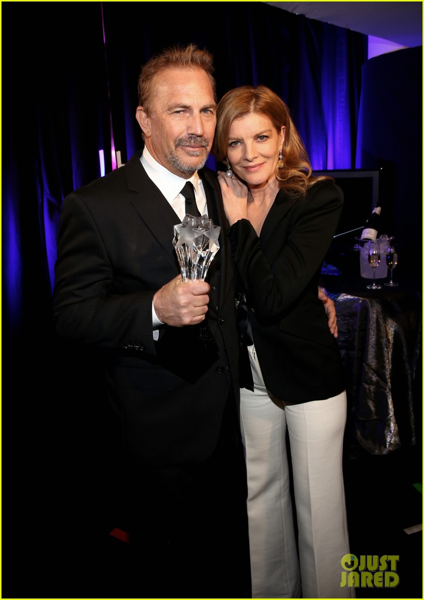 rene russo has laryngitis presents at critics choice 023282054