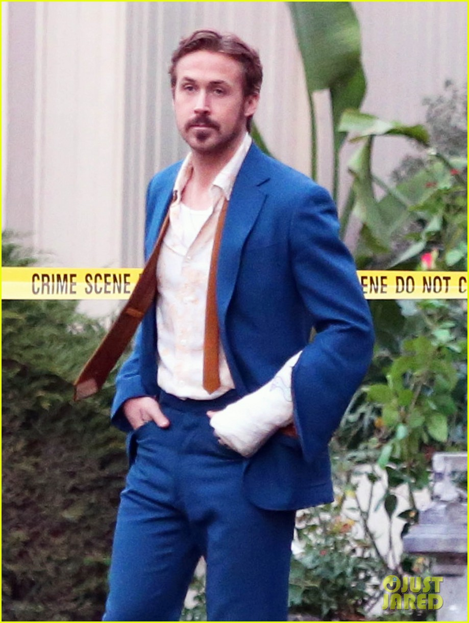 Ryan Gosling Looks Messy, But Hot on 'The Nice Guys' Set Ryan Gosling