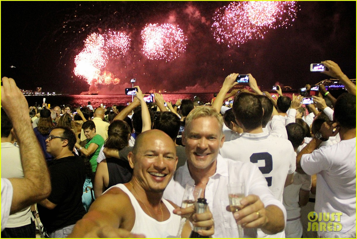 sam champion spends nye with bf 013271618