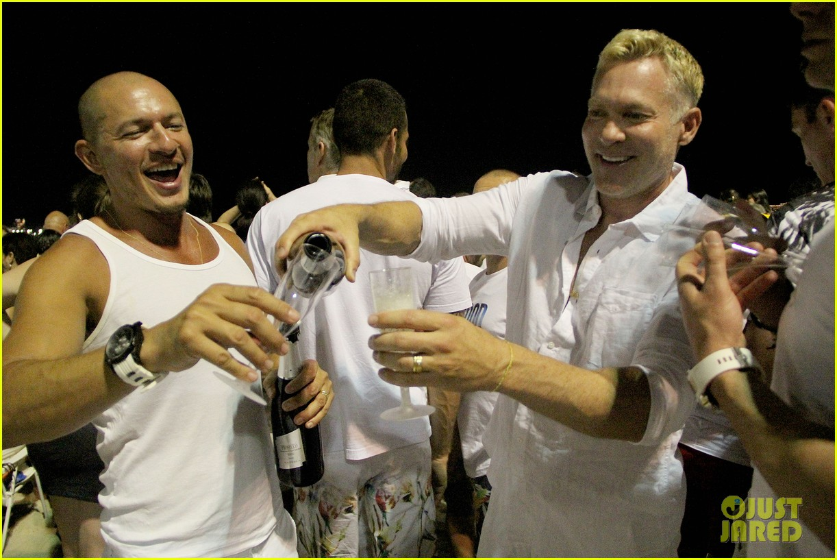 sam champion spends nye with bf 033271620