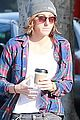 kristen stewart alicia grab coffee together 02