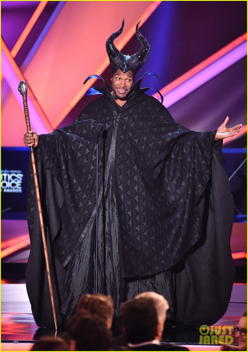 Michael Strahan Dresses as Maleficent, Angelina Jolie Loves It